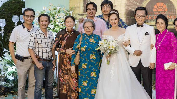 Startalk - Dàn nghệ sĩ tên tuổi dự tiệc cưới tại Hà Nội của
